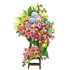 congratulation-flower-basket-with-tripod